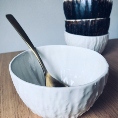 bol blanco cerámica artesanal. Hecho a mano